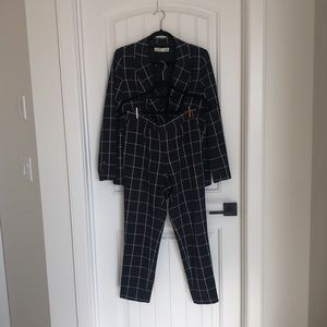 2 Piece Double Breasted Ladie's Suit